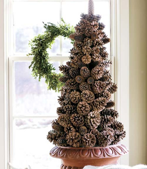11-Pinecone-Tree-Decoration