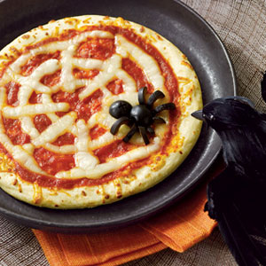 Spiderweb-Pizza-Halloween-Recipes