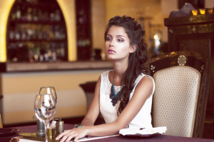 Things Women Should Do on a First Date