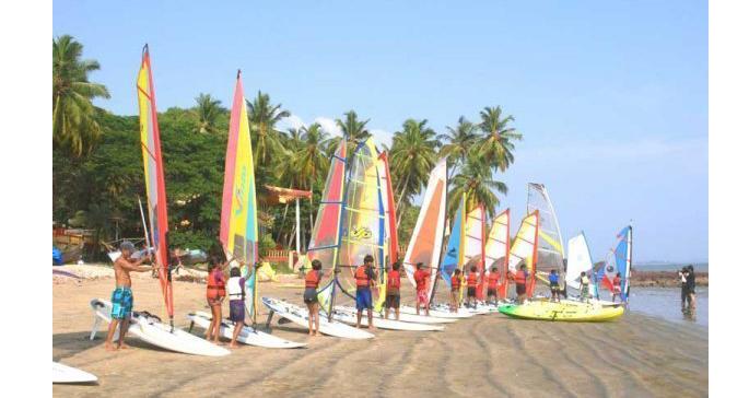Wind-surfing-in-goa