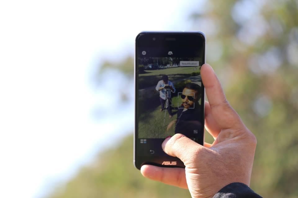 ASUS-zenfone-3-max-selfie