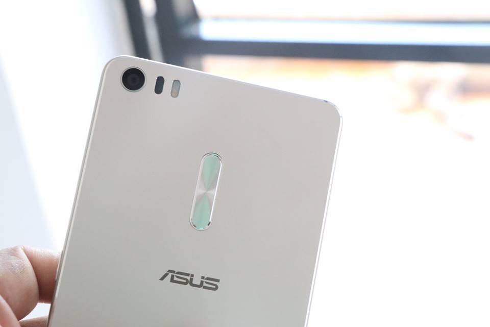 Asus-Zenfone-3-Ultra-back-side