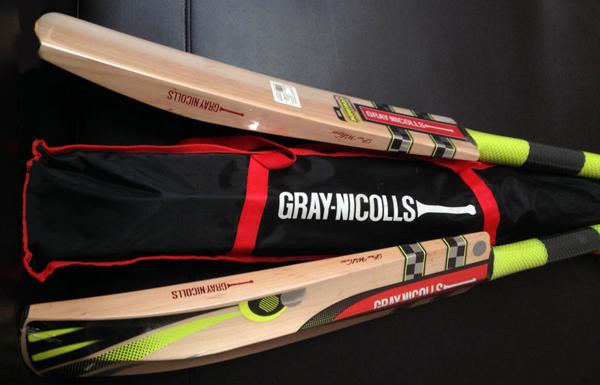 Gray-Nicolls-Viper-bats